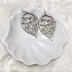 🔴 Boho Vibration leaf metal earrings